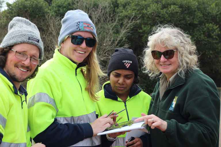 GORCC Education Activities Leader Hilary Bouma helps Green Army participants construct a local herbarium using the Surf Coast Nature Search website.