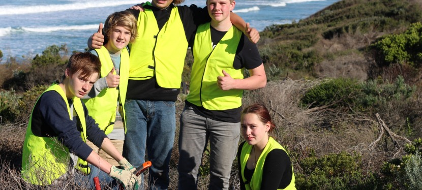 Newstarters caring for Point Roadknight, Anglesea