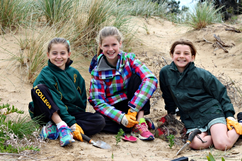 'Coastal Stewards' team up with Great Ocean Road Coast