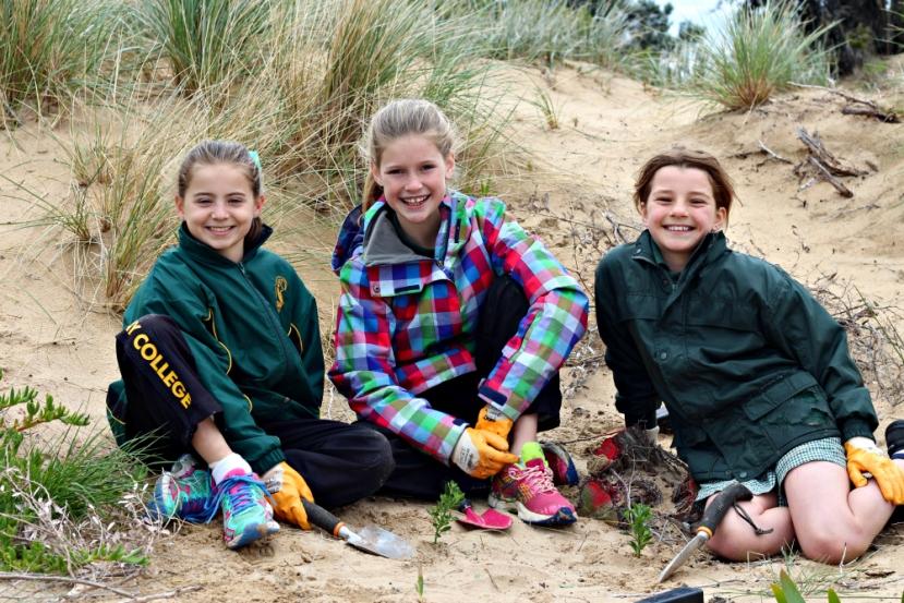 'Coastal Stewards' team up with Great Ocean RoadCoast